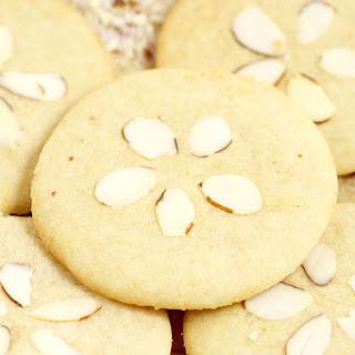 Almond Brown Sugar Sand Dollar Cookies