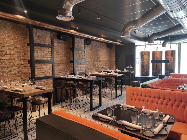 Así es Alquímico, el nuevo restaurante de la Puerta de Purchena.
