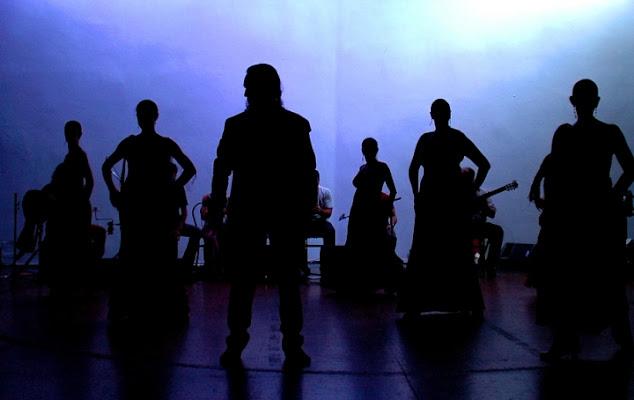 Ombre sul palcoscenico di hotdrums