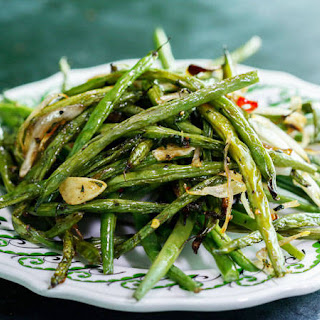 Spicy Herb-Roasted Haricots Verts