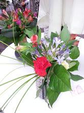 Photo: petit bouquet (juillet 2015) premier marché nocturne Etoile sur rhône fleurs: agapanthes, alstroemerias, celosies.  prix 13 euros