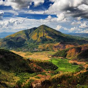 Tele, Lake Toba, West Sumatra by Siew Jun Han - Landscapes Mountains & Hills