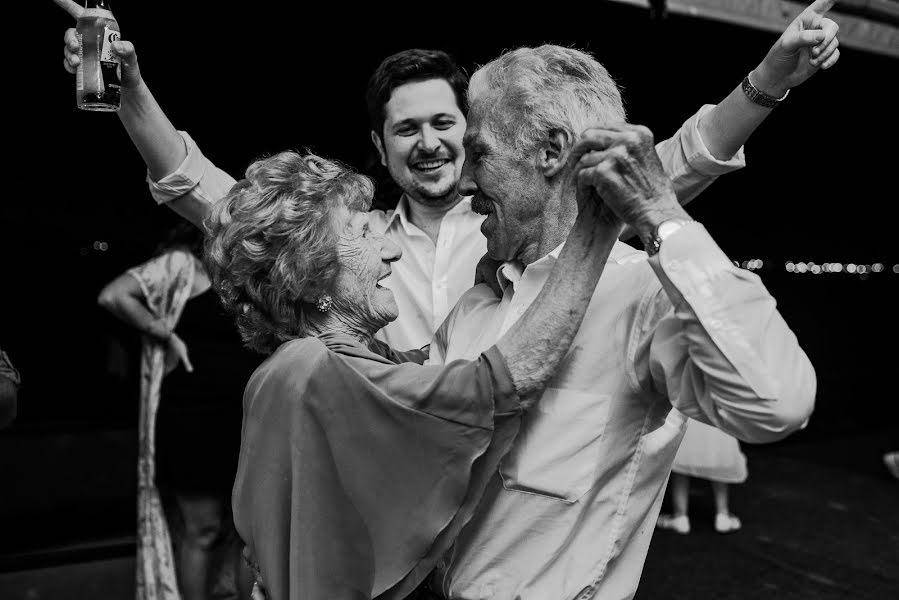 Wedding photographer Rodrigo Borthagaray (rodribm). Photo of 11.02.2020