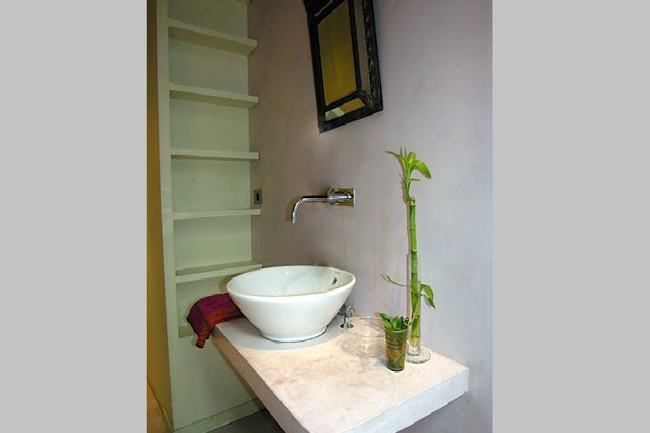 Luxury en-suite bathroom at Rue des Ursulines
