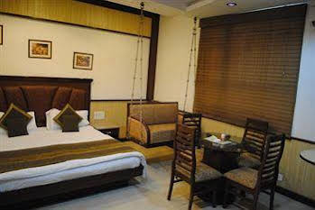 Hotel Baba Deluxe