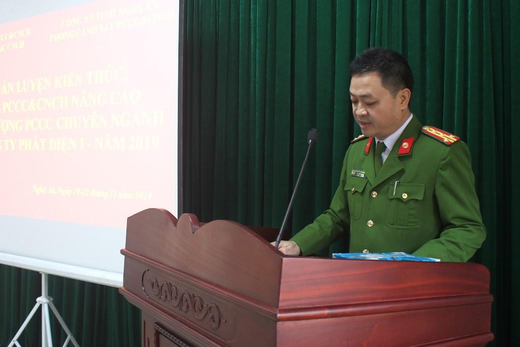 Đại tá Nguyễn Ngọc Thanh - Phó Trưởng phòng Cảnh sát PCCC&CNCH phát biểu khai mạc khóa huấn luyện