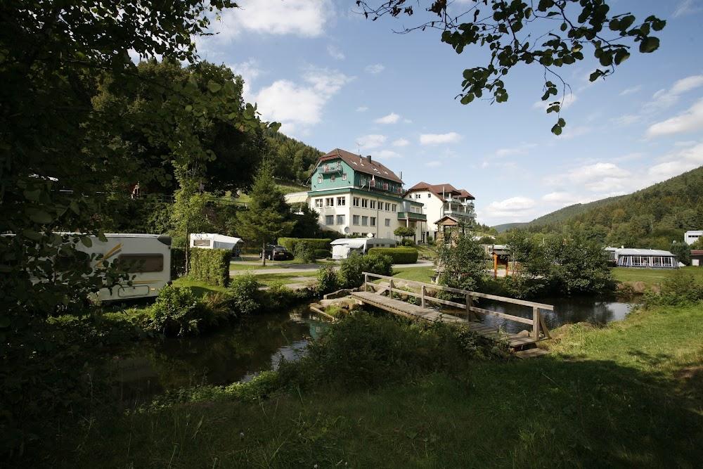 Camping- und Stellplätze