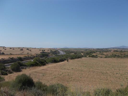Una strada in mezzo alla pianura di Pretoriano