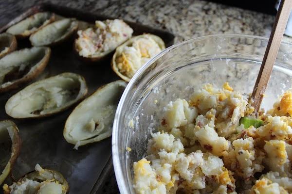 Fill the potato with the potato mixture.