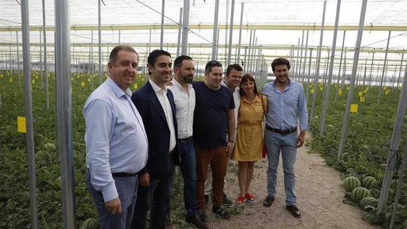 Santiago Abascal, en un invernadero durante la campaña electoral.