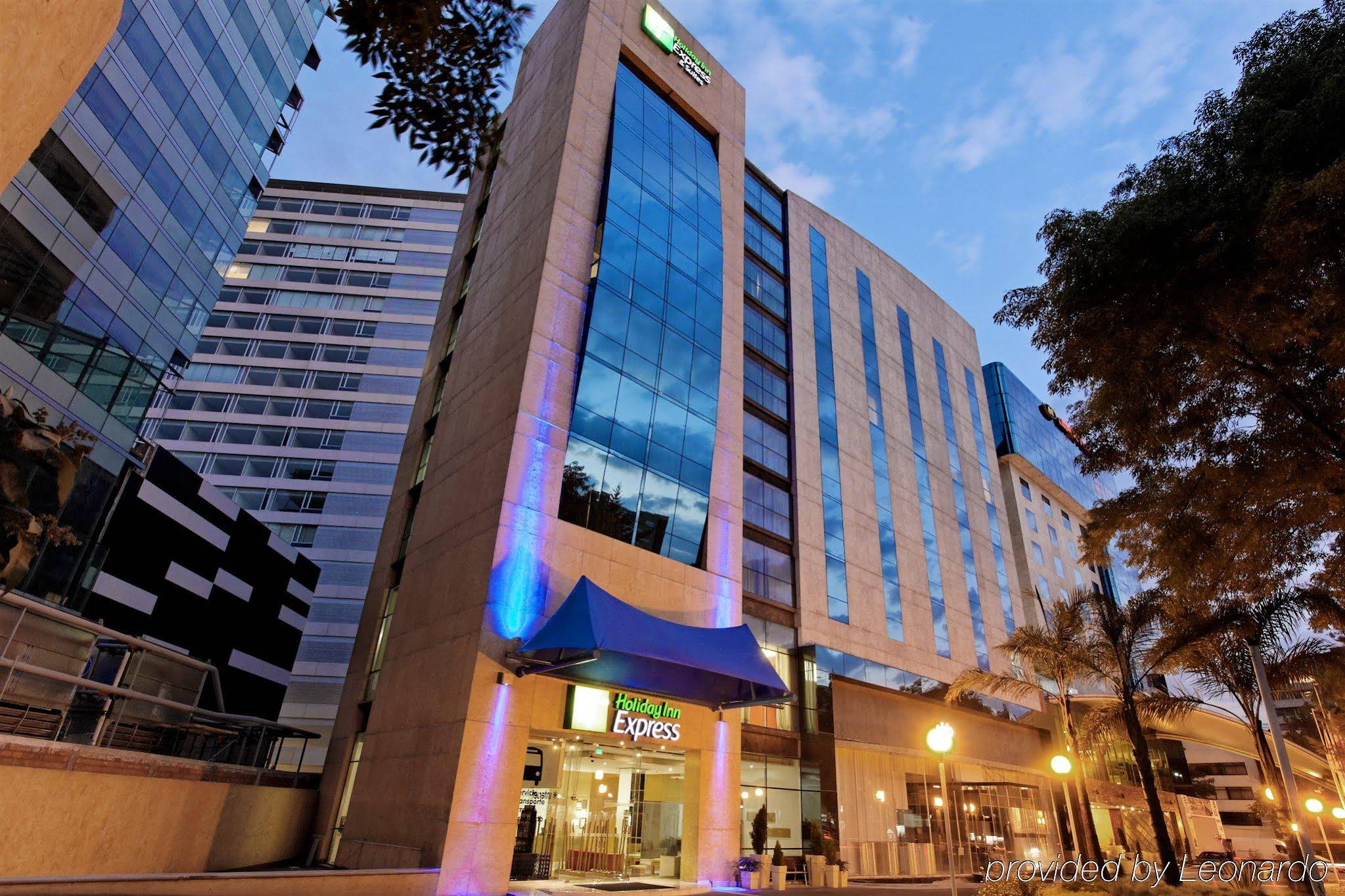 Holiday Inn Express Hotel & Suites Mexico City at the World Trade Center