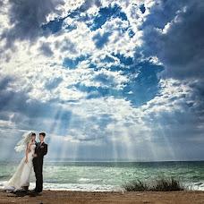 Wedding photographer Maksim Kozyrev (Kozirev). Photo of 15.02.2013