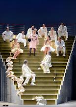 Photo: Theater in der Josefstadt: DER ZERRISSENE von Johann Nestroy. Inszenierung Michael Gampe, Premiere 2.10.2014.  Foto: Barbara Zeininger