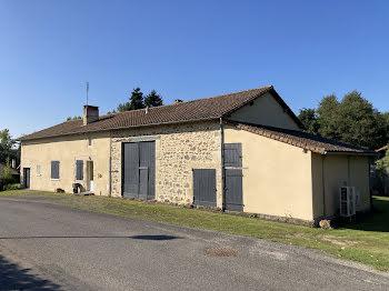 maison à Hiesse (16)