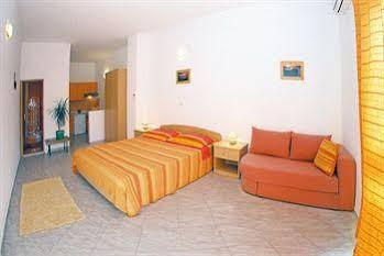Apartments Pape