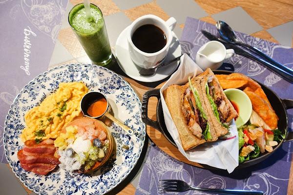 Bistro88義法餐酒館 小西門店 早午餐餐點還不賴!用餐氣氛非常好!
