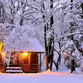 Snowhut by Zvonimir Cuvalo - Landscapes Mountains & Hills ( winter, plitvicka jezera, snow, plitvice lakes, winterhut )
