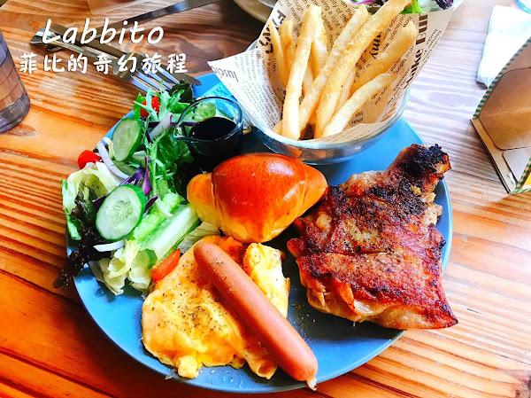 Labbito Cafe日本人開的早午餐!Tokyo Crepe可麗餅、鬆餅!寵物友善餐廳!內有labbito cafe菜單!(台中下午茶推薦、台中早午餐推薦)