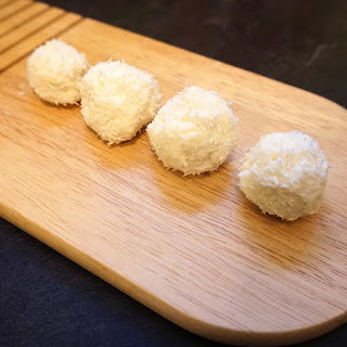 Low Carb Lemon Coconut Truffles