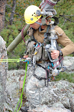 Photo: A Special Forces Soldier learns to carry heavy equipment and weapons up the mountainside Sept. 24 near Lake George, Colo. while attending the U.S. Army SF Command (Airborne) Senior (Level II) Mountaineering Course; trained by instructors from the 10th SF Group (Airborne), Fort Carson, Colo.  (U.S. Army photo by Sgt. Steven Phillips)