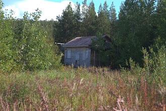 Photo: autiot talot, hylätyt pihat
