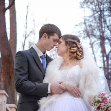 Wedding photographer Lena Koneva (Konn). Photo of 19.12.2015