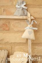 Photo: coniglietto Tippi con sacchettino coordinato con iniziale ricamata