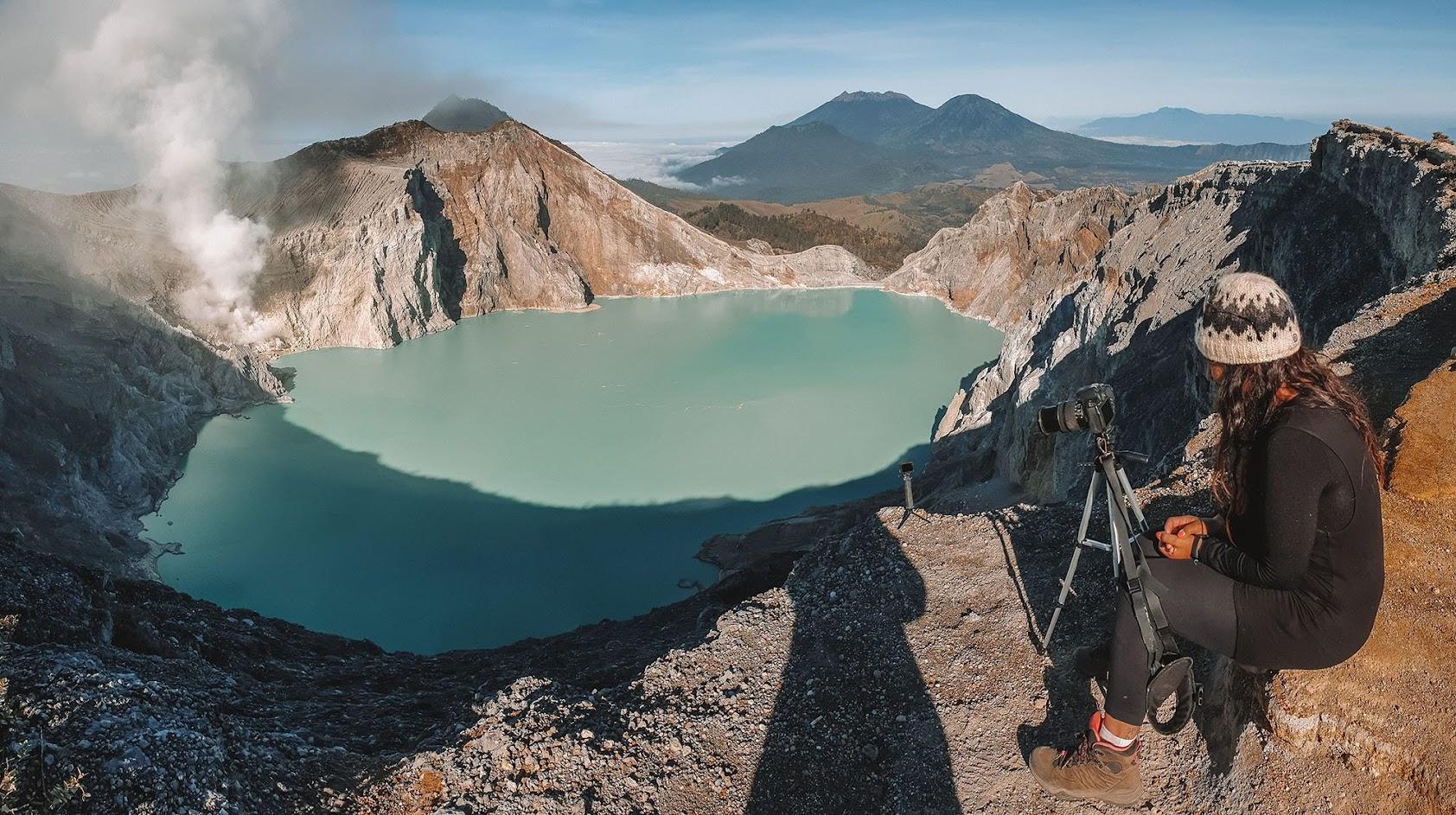 DIAS 37 a 42 – Na CRATERA DE IJEN, convivendo com as chamas azuis e os mineiros de enxofre