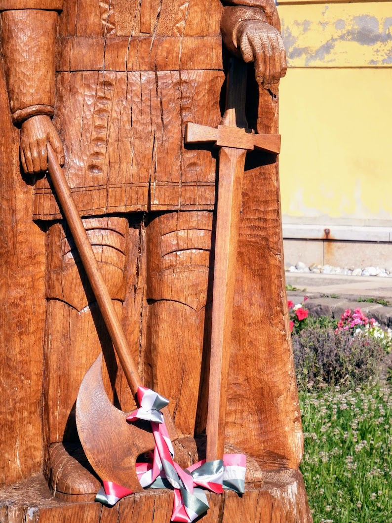 Győr-Ménfőcsanak - Szent László-szobor a csanaki településrészen