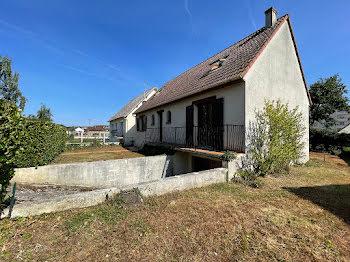 maison à Saint-Lubin-des-Joncherets (28)