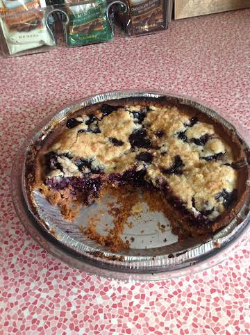 Blueberry Pie with Graham Cracker Crust and Crumb Topping