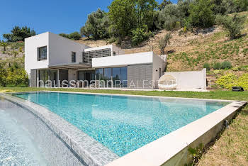 Villa 5 pièces 270 m2