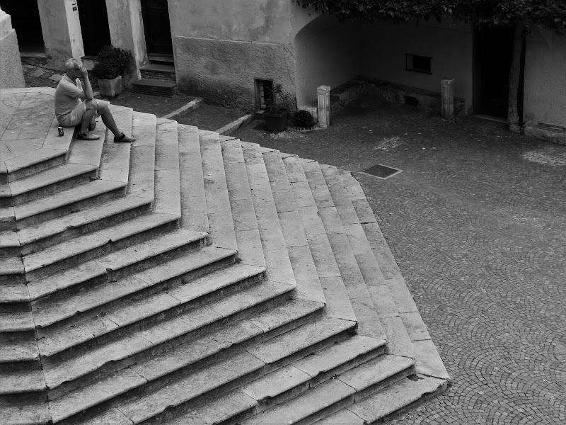 Gradinata nel paese di Cervo (Liguria) di Marnik