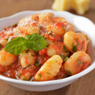 Olive Garden's Gnocchi With Spicy Tomato And Wine Sauce.