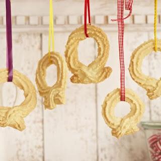 Festive Ring Cookies.
