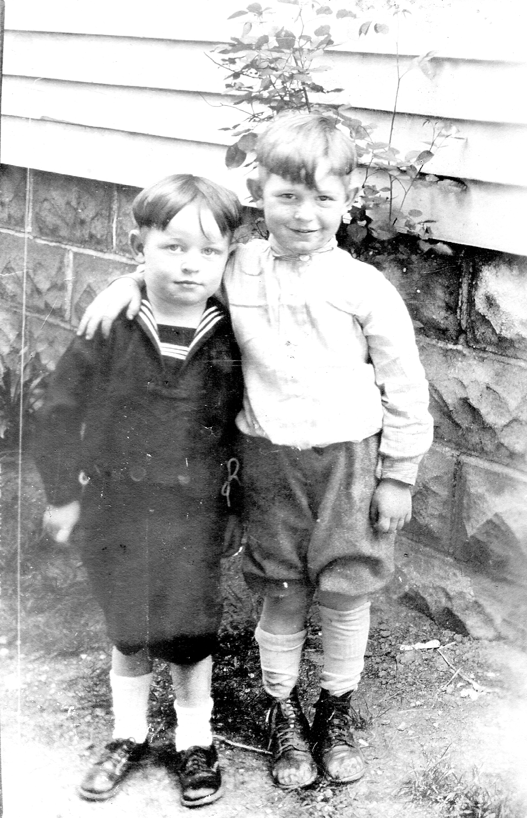 William A and Lawrence Eugene Vaughn ca 1929.png