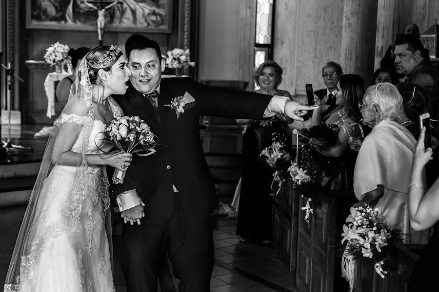 Wedding photographer Victor Rodriguez urosa (victormanuel22). Photo of 25.07.2019
