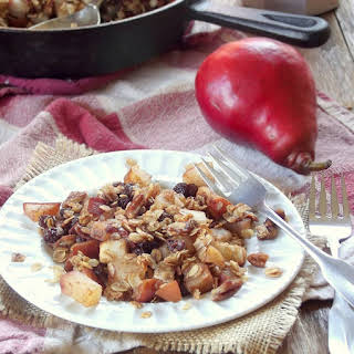 Baked Pears with Oat Crumble Topping.