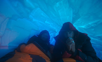 Photo: Second Snow hole. We spend 3 nights in here. Waiting for a final push to summit. 5300 m.
