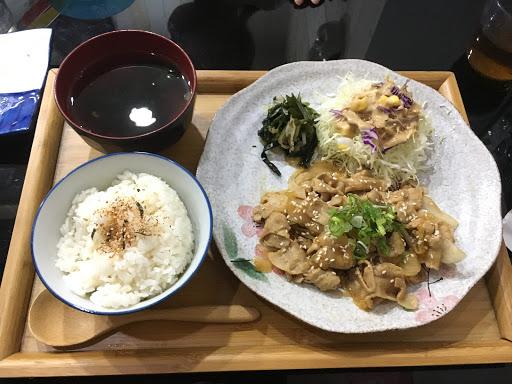 調味非常出色,尤其米飯煮得特別好吃!是間成功的丼飯專賣店!