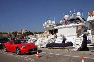 Photo: Ni la voiture ni le bateau ne sont pour nous !