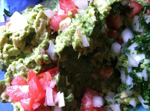 combine tomatoes, onion, cilantro and lime juice, mix thoroughly