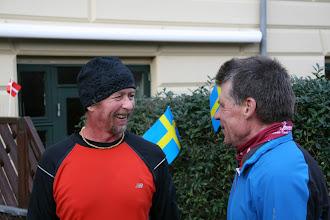 Photo: Ulrik ønsker Tony tillykke