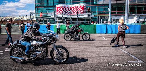 la-finale-des-run-d-or-classic-sur-le-circuit-de-magny-cours-presente-par-machines-et-moteurs