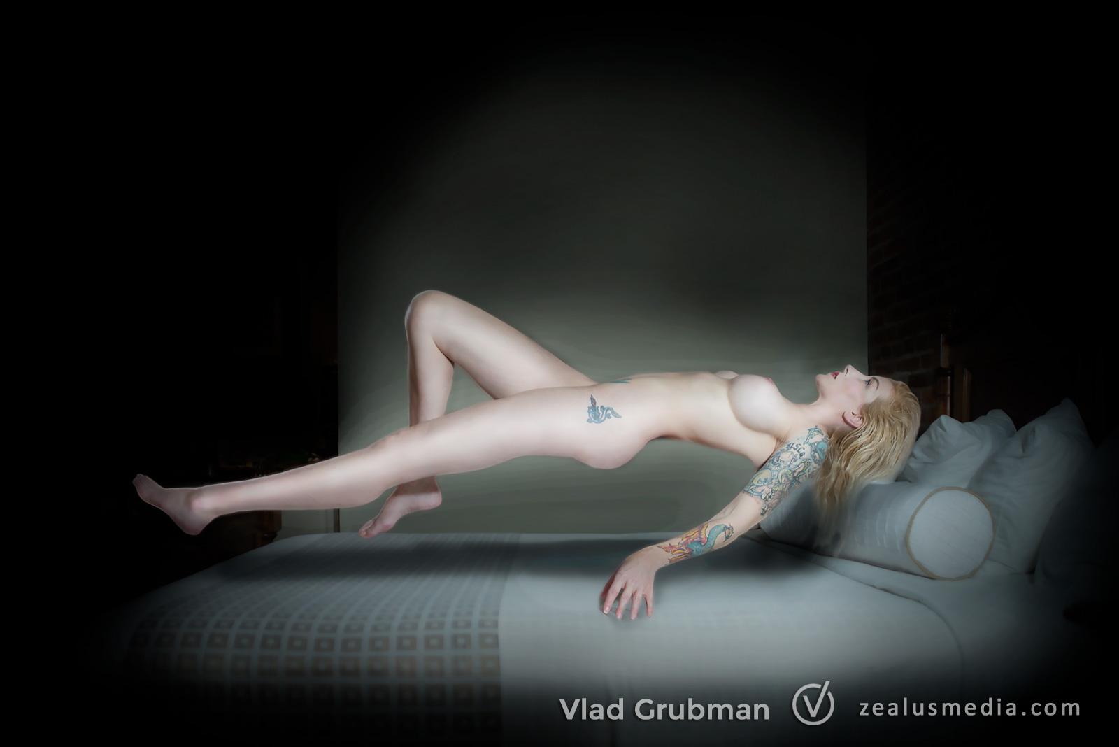 Boudoir photography by Vlad Grubman / WannaGlow.com