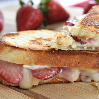 Strawberry Brie Grilled Cheese {with or without chocolate}