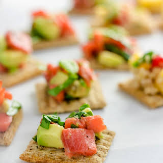 TRISCUIT Crackers with Smoked Salmon and Avocado Salsa.
