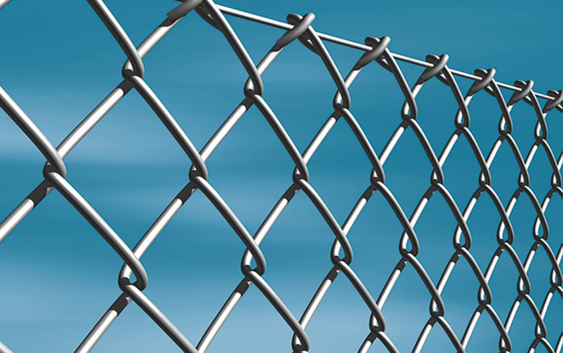 Mesh in rolls and wires for fences