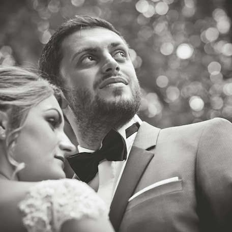 Wedding photographer Madalina si ciprian Ispas (fotoycafe). Photo of 02.10.2017