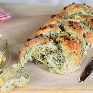 Lunchbox Bakes – Spinach + Feta Plait